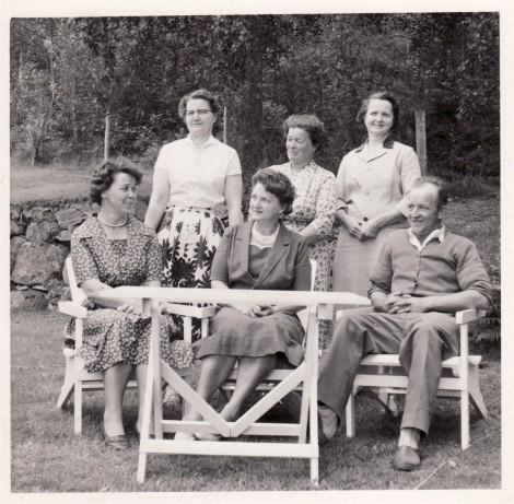 Stående: Ellen, Agda & Anna. Sittande: Karin, Alice & Gustaf (Hela syskonskaran)