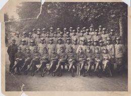 Okänt år och plats. Antingen vid Ing 1 eller Ing 2. Adolf sittande längst ner till höger.