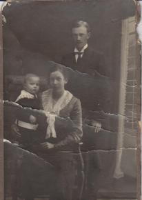 Frida Lovisa med maken Henning Lidström och sonen Artur Malcolm