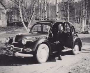 Harald Andersson med sin Dyna Panhard i Höje